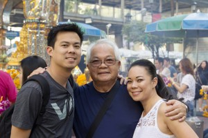 During vacation in Thailand in Jan 2016 Witt/Urai Smittant w/their son and daughter Jakris & Vida went to pray at Bangkok Erawan shrime, this place was bombed last year.