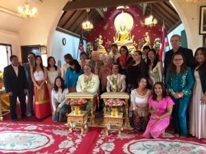 ปู เสฉวน (ที่2จากขวาแถวยืน) ไปร่วมงานแต่งงานคู่บ่าวสาว ไทย-อเมริกัน จัดตามประเพณีไทย ที่วัดพุทธวิปัสสนา เมืองลองบีช รัฐแคลิฟอร์เนีย เมื่อ 24 มกราคม 2016