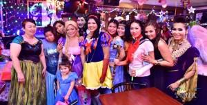 """เพื่อนๆ แต่งแฟนซี ไปงานปาร์ตี้วันเกิด """"หนู Snow White"""" สุวิชา บุญชู ที่ร้านเครื่องเทศ ไทยทาวน์ เมื่อวันที่ 24 มกราคม2016"""