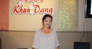 """ต้องการจัดงานเลี้ยงในโอกาสต่างๆ มีเมนูอาหารไทยรสเด็ดให้เลือกมากมาย โดยมี """"เปิ้ล"""" เพ็ญประภา ริ้วทวี (เจ้าของร้าน) ให้การต้อนรับ ที่ร้านอาหารไทย The Original Khun Dang เมือง Van Nuys จองโต๊ะได้ที่ 818-442-9936"""