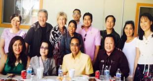 กงสุลใหญ่นายธานี แสงรัตน์และภริยา พบผู้นำชุมชนไทยในแซนดิเอโก้ ในโอกาสมารับตำแหน่งใหม่ กงสุลใหญ่ประจำนครลอสแอนเจลิส เมื่อวันอาทิตย์ที่ผ่านมา ที่วัดพุทธจักรมงคลรัตนาราม เมือง เอสคอนดิโด้