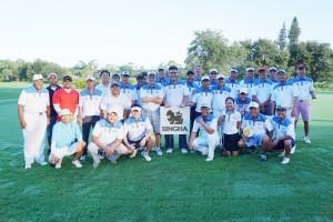 """""""สุวัฒน์ พุทธิโพธิ์"""" นักเรียนเก่าอำนวยศิลป์ เป็นโต้โผจัดการแข่งขัน SINGHA CHAMPIONSHIP 2016 มีสมาชิกThai Golf Club of South Forida (TGCSF) และนักกอล์ฟรับเชิญมาร่วมเมื่อวันที่ 25 September 2016"""