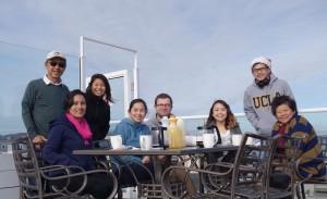 เสวี/เรวดี เรื่องตระกูล พา1ลูกชาย 3 ลูกสาว รอน,วีรา,ลีลา และ ธีญญา ไปเที่ยว Fisherman's Wharf ที่ San Francisco เมื่อวันก่อนสิ้นปี 2016 พร้อมเพื่อน ที่ได้แยกย้ายกัน ไปอยู่ต่างถิ่น และต่างประเทศ