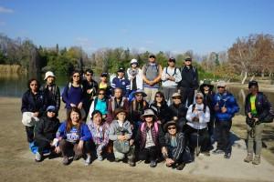 นักศึกษาครูสมาธิจากศูนย์ทิพย์ วัดป่าธรรมชาติ ร่วมกันซ้อมเดินมินิธุดงค์ที่ Whittier Narrows Recreation South El Monte เมื่อวันที่ 16 มกราคม 2017 วัดระยะทางได้ราว 5.35 ไมล์ ก่อนที่จะ ไปเดินจริงที่ดอยอินทนนท์ ในต้นเดือนมีนาคม2017