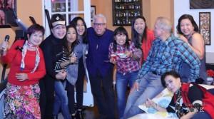 พอลลีน แม๊คมอยเยอร์ จัดงานวันเกิดให้สามี Dave McMoyler ที่บ้านพักในเมืองเบอร์แบงค์ เมื่อวันที่ 30 ธันวาคม 2016 มีเพื่อนๆ ทั้งฝรั่ง จีน ไทย ไปร่วมกว่า ร้อนชีวิต