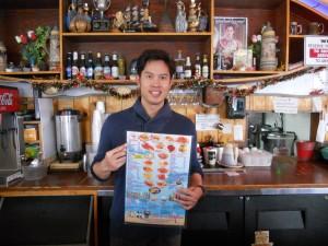 """ไม่ต้องไปไกลถึงทะเล ก็มีอาหารทะเลสดๆ ให้ได้ลิ้มลอง กุ้ง-หอย-ปู-ปลา-ล็อบสเตอร์-เครย์ฟิช พร้อมน้ำจิ้มไทยๆ รสเด็ด ฯลฯ โดยมี """"หน่อย"""" ยินดีให้บริการ ที่ร้าน The Shrimp Lover ใน ฮอลลีวูด โทร. 323-668-9113"""