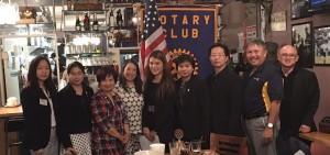 จีน่า ปรีชา นายกสมาคมไทยแห่งแคลิฟอร์เนียภาคใต้ พร้อมด้วย ดร.ไอรดา วัฒนวิทูกูร รองนายกฯและวิมล สุรัทธะ เลขาฯ ไปเยี่ยมสโมสรโรตารี่ ฮอลลีวูด เมื่ออาทิตย์ที่ผ่านมา