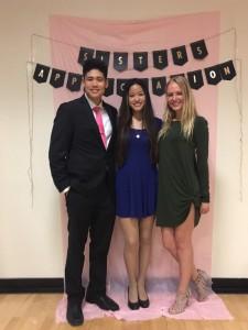 """ธรรศพร แสงกิจพร (กลาง) หลานสาวลุงแตน นางสงกรานต์ วัดไทย ปี 2016 กำลังเรียนเพื่อเป็น """"คุณหมอ"""" ที่ UC Riverside , CA ได้รับเลือกเป็น Vice President Of Fraternity Pre-Med"""