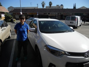 """เรียนขับรถยนต์ เรียนรู้กฎจราจรของรัฐแคลิฟอร์เนีย และพาไปสอบที่ DMV ติดต่อ """"ครูทิพย์ สอนขับรถ""""  โทร. 323-666-2888, 323-240-3585 cell"""
