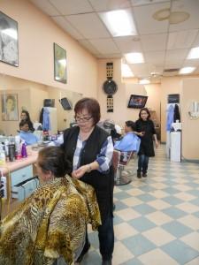 """ตัดแต่งทรงผม ทำสีผม-ไฮไลน์ โดย """"แพ็ต"""" ช่างผมมืออาชีพ ที่ Pat's Hair Design 13756 Roscoe Blvd. Panorama City, CA 91402 โทรนัดล่วงหน้าได้ที่ 818-893-1670"""