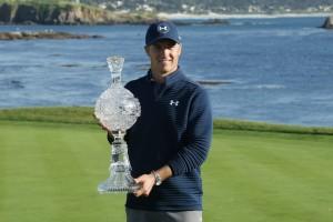 """.""""Jordan Spieth """"หนุ่มนักกอล์ฟ วัย 23 ปี คว้าแชมป์รายการของ ..U.S. PGA Tour.. ครั้งที่ 9 ในชีวิต เป็นชัยชนะครั้งแรกที่สนามกอล์ฟ ..Pebble Beach..แห่งนี้รายการ AT&T Pebble Beach Pro-Am..เมื่ออาทิตย์ที่แล้วผ่านมา.."""