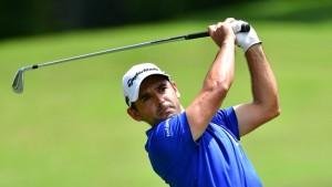 """Fabrizio Zanotti.. หนุ่มนักกอล์ฟของ.. European Tour..ทำสกอร์ 19 อันเดอร์พาร์ คว้าแชมป์รายการ..""""Maybank Championships """".. ที่เดินทางไปแข่งขันกันที่ประเทศ Malaysia เมื่ออาทิตย์ที่แล้ว.."""