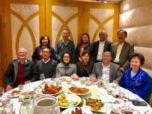กงสุลใหญ่ธานี แสงรัตน์ รับเชิญจาก Paul Sher กับเพื่อนๆ นักธุรกิจ และ Burma Consul General Aung Kyaw & Mrs.May May Latt ไปทานอาหารจีนที่เมือง San Gabriel เมื่ออาทิตย์ที่ผ่านา เพื่อแสดงความยินดีที่นาย Paul Sher ได้รับสิทธิ์เป็นตัวแทนจำหน่ายเบียร์พม่าทั่วประเทศสหรัฐฯ