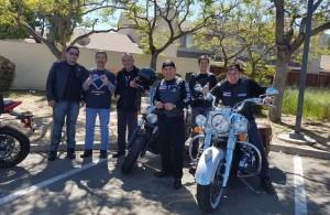 """วิลลี่ วัฒนวงษ์ศิริ และเพื่อนๆในกลุ่มนักบิด Harley Davidson """"Son of Siam""""เตรียมออกเดินทางด้วย """"Big Bike""""ไปหาอาหารกลางวันในเมืองแลงแคสเตอร์ อาทิตย์ที่ผ่านมา"""