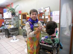"""แต่งหน้า-ทำผม ในทุกโอกาส โดย """"เปี๊ยก"""" ช่างผมมืออาชีพ ประจำอยู่ที่ Chula Beauty Salon ใน Hollywood โทรนัดได้ที่ 323-286-3713"""