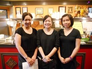 เปิ้ล-แอน-ปู ให้บริการอย่างเป็นกันเอง ในงานฉลองครบรอบ 9 ปี ของร้าน The Original Khun Dang Restaurant เมือง Van Nuys กับอาหารไทยแบบไม่อั้น (All you can eat) $21.99 จัดขึ้นวันเสาร์ที่ 18 มีนาคม 2017 เวลา 4pm.-10pm. จองโต๊ะได้ที่ 818-442-9936