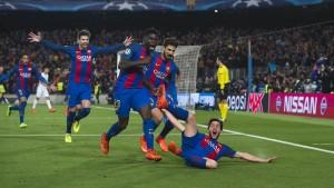 """ดังสนั่นวงการลูกหนังโลก เมื่อ """"เจ้าบุญทุ่ม"""" บาร์เซโลน่า ทำสิ่งที่เหลือเชื่อพลิกกลับมาเข้ารอบก่อนรองชนะเลิศ ยูฟ่า แชมเปี้ยนส์ ลีก ทั้ง ๆ ที่แพ้มาก่อนในเกมแรก 0-4 และทำให้ถูกยกเป็นสุดยอดการคัมแบ็กที่ยิ่งใหญ่ที่สุดอีกครั้งหนึ่งของทีมบาร์เซโลน่า เอาชนะ ปารีส แซงต์ แชร์กแมง 6-1 ทำให้เป็นฝ่ายชนะด้วยสกอร์รวม 2 นัด 6-5 โดยเฉพาะประตูชัยนั้นเกิดขึ้นก่อนที่ช่วงทดเวลาบาดเจ็บนาทีที่ 95 จะหมดลงไม่ถึง 10 วินาทีโดยฝีเท้าของ เซร์กี้ โรแบร์โต้ .."""