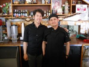 """บริการดีๆ จาก """"หน่อย"""" พร้อมอิ่มอร่อยกับอาหารทะเล กุ้ง-หอย-ปู-ปลา-ล็อบสเตอร์-เครย์ฟิช (สไตล์หลุยเซียนา)และอาหารไทยตามสั่งอื่นๆ  ฝีมือ """"เชฟโอ"""" ที่ร้าน The Shrimp Lover บนถนน Hollywood โทร. 323-668-9113"""
