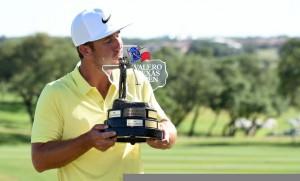 """วันนี้ที่รอคอยของหนุ่มนักกอล์ฟอเมริกัน .. Kevin Chappell.. คว้าชัยชนะรายการ.."""" Valero Texas Open"""".. สกอร์ 12 อันเดอร์พาร์... เป็นชัยชนะรายการ ของ U.S.PGA Tour .. ครั้งแรกในชีวิต .."""