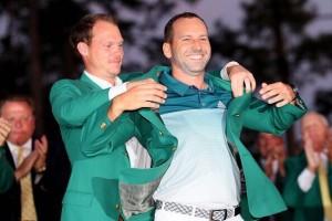"""แชมป์เก่านักกอล์ฟหนุ่ม ของเมืองผู้ดีอังกฤษ.."""" Danny Willet"""".. แต่เล่นครั้งนี้ไม่ผ่านรอบคัดเลือก บรรจงสวมเสื้อให้แชมป์.. The Masters .. คนใหม่.."""" Sergio Garcia""""..จากประเทศ สเปน.."""