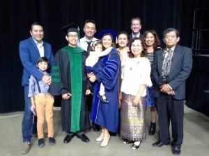 ดร.จัตตุรงค์ วิเชียรสรรค์ จบด๊อกเตอร์ MDจากMichigan U. เมื่อวันที่ 13 May2017  พี่สาว ดร.ปาริชาติ วิเชียรสรรค์-Sabado UCLA Ph.D.ขึ้นไปสวมหมวกปริญญาให้น้องชายบนเวทีสองดอกเตอร์ มีคุณพ่อชื่อ บัญญัติ วิเชียรสรรค์