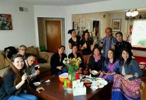 """ตุ๊กตา มาร์ นายกสมาคมล้านนา และสมาชิกชาวเหนือ อาทิ """"มด"""" โสมอุษา จารุจินดา- """"อุ้ม"""" วลัยพรรณ เกษทอง และ  ดีดี้ สิทธิเสรี พบปะหารือเพื่อสืบสานประเพณีล้านนา @ Koy Jung's Home เมื่อวันที่ 7 พฤษภาคม 2017"""
