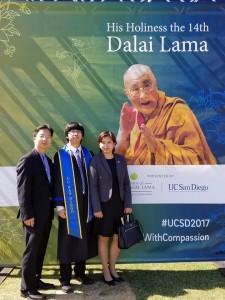 ขอแสดงความยินดีกับ ออสติน ลูกชาย นายกสมาคมไทยฯ จีน่า ปรีชา และ ตัน พัฒนะ ที่เรียนจบวิศวไฟฟ้า จาก UC San Diego, CA ปีการศึกษา 2017