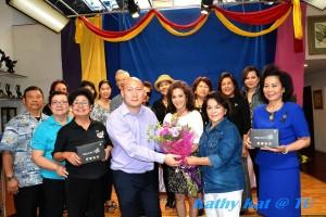 """เพื่อนๆไปร่วมแสดงความยินดีกับ """"บอย"""" นนทวัฒน์ แต้รัตนชัย และ ศรีวงศ์ อาญาสิทธิ์ ที่เปิดตัว """"กล่องรับสัญญาณ ทีวีจากเมืองไทย"""" ใช้กับทีวีได้กว่า 40 ช่อง ขณะนี้กำลังอยู่ในช่วงโปรโมชั่น สนใจติดต่อ (323) 464-1425"""