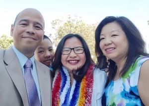 ซารีน่า โสรัจจกุล จบจาก Redlands High School ปีการศึกษา 2017  และจะไปเรียนต่อที่ Arizona State University ท่ามกลางความยินดีของคุณพ่อและคุณแม่