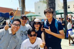 """กงสุลใหญ่ ธานี แสงรัตน์ และครอบครัวไปร่วมงาน """"ผู้ไม่มีที่พักเป็นหลักแหล่ง""""  อาทิตย์ที่ 16 July 2017 @ Glady's Park, Skid Row, LA."""