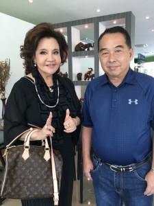 """วันคล้ายวันเกิดคุณ โฉมฉาย อรุณฉาน ปีนี้ สยามมีเดีย ขอให้มีสุขภาพดี เลี้ยงกันที่ร้าน """"ครัวไอยรา"""" ถนนวิภาวดี โทร. 02-0130819 บริหารงานโดย อยุทธ อัสภาหุ จาก Ayara Thai Cuisine ใกล้สนามบิน LAX"""