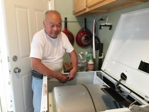 """ซ่อม Washer & Dryer ตามบ้าน หรือแบบชนิดหยอดเหรียญ ตามร้านค้า & APT และงานไฟฟ้าอื่นๆ ติดต่อ """"ทอม"""" 562-716-1062, 562-863-8766"""