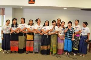 """""""งานพัฒนาไทยทาวน์"""" ในเขตฮอลลีวูด รัฐแคลิฟอร์เนียจะสำเร็จได้ต้องชูนิ้วให้กับสมาคมนวดไทยและสปา ที่นำพลเข้าร่วมพัฒนาอย่างเข้มแข็งหนุน โดยประธานที่ปรึกษา วรนุช บุญประกอบ เมื่ออาทิตย์ที่ผ่านมา"""