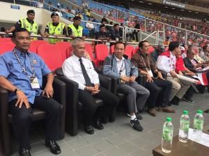 14 สิงหาคม 2017 ดำรง ใคร่ครวญ เอกอัครราชทูต ณ กรุงกัวลาลัมเปอร์ และประชาชน ชาวไทยได้เข้าร่วมเชียร์และให้กำลังใจนักกีฬาฟุตบอลไทยในการแข่งขันฟุตบอลระหว่าง อินโดนีเซียและไทย ผล 1-1