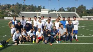 """ทีมฟุตบอล PRC Alumni LA FC มีนักฟุตบอลเก่ากึ๊ก อดีตนักดวนแข้งระดับ """"ทีมชาติไทย"""" มารวมกันให้ ยงยุทธ สรรพปัญญา เป็นผู้จัดการพบทีมนี้ในวันแข่ง Thailand Soccer League (TSL)   ในการแข่งขันฟุตบอล Thai Community Cup ครั้งที่ 2 วันจันทร์ที่ 4 กันยายน 2017  (Labor Day)"""