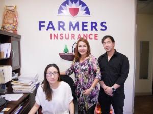 สนใจทำประกันภัยทุกชนิด รถยนต์,  มอเตอร์ไซค์, ชีวิต, บ้าน, Worker's Comp., ธุรกิจ-ร้านค้าต่างๆ ติดต่อโค้ตราคาได้ที่ Ann-Chanya-Chris ที่ Farmers Insurance ใน Hollywood โทร. 323-988-3377