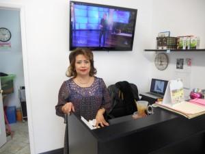 """ตัดแต่งทรงผมให้ทันยุค สีผมทันสมัย ทั้งสุภาพบุรุษ&สตรี พร้อมแต่งหน้า-ทำผม ในทุกโอกาส โดย """"ต้อยติ่ง"""" ชวนจิตร บุญนรากร ช่างผมฝีมือดี ที่ Toi Beauty Salon โทรนัดที่ 323-462-9455, 323-868-1927 cell"""