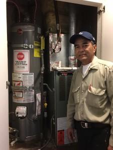 """ซ่อมเครื่องซักผ้า/Dry ผ้า, แอร์, ตู้เย็น, ฮู้ด, ฮีดเตอร์, ไมโครเวฟ, เตาแก๊ส, หม้อน้ำร้อน และรับเดินสายไฟบ้าน-ร้านค้า ติดต่อ """"ช่างอู๊ด"""" 818-955-5159, 818-331-4636 Cell"""