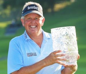 """….."""" Colin Montgomerie """" ทำสกอร์ในรอบสุดท้าย โชว์วงสวิงหวดเข้ามา 5 อันเดอร์พาร์ คว้าแชมป์ รายการ..Japan Airlines Championship..นับเป็นแชมป์ในรายการ..PGA  Champion Tour..ครั้งที่ 5 ตั้งแต่เข้าสู่ทัวร์นี้ เขาได้เคยชนะรายการของ.. European tour..  ถึง 31 รายการมาก่อนในอดีตเคย เป็นมืออันดับ 1 ของ European Tour.. ถึง 8 สมัย  ทำสถิต 7สมัยติดต่อกันตั้งแต่ปี...ค.ศ. 1993 - 99...  และครั้งสุดท้ายเมื่อปี ค.ศ. 2005 .."""