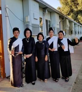 คนดังในชุมชนไทยเป็นนางรำ ถวายพ่อหลวง รัชกาลที่ ๙ ฝึกซ้อมกันอย่างหนักทำเพื่อพ่อ ร.๙ ในกิจกรรมดีๆเพื่องานกฐินพระราชทาน ณ วัดพระธาตุดอยสุเทพ วันที่ 22 ตุลาคม 2017