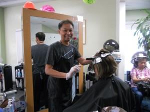 """ตัดแต่งทรงผมให้เข้ากับใบหน้า ทำสีผม-ไฮไลน์ให้ล้ำสมัย โดยฝีมือ """"เอ้"""" ช่างผมมือหนึ่ง ที่ Hair F/X เมือง San Gabriel โทรนัดที่ 626-228-8213"""