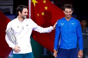 """ศึกเทนนิส ATP Masters 1000 ผ่านมาเมื่ออาทิตย์ที่แล้วรายการ.. Shanghai Masters 2017..ชิงเงินรางวัลรวมทั้งหมด $6,520,000 ดูแล้วเหมือนว่า.. """"จะแพ้ทาง"""".. กับมืออันดับที่ 2ของโลก ..Roger Federer..ยังคงอาศัยชั้นเชิงที่เหนือกว่าบนฮาร์ดคอร์ด เอาชนะมืออันดับที่ 1ของโลก ..Rafael Nadal ..2-0 เซต 6-4, 6-3 คว้าแชมป์ให้กับตัวเองในปีนี้ เป็นรายการที่ 6 จากการที่ผ่านเข้ามาชิงแชมป์เปี้ยนทั้งหมด 7 รายการ เป็นชัยชนะจาก .. Rafael Nadal..4 ครั้ง จากการที่พบกันผ่านมา 5 ทัวร์นาเมนต์ในปีนี้.. แต่ถึงอย่างไรก็ตามหลังจากการแข่งขันครั้งนี้สิ้นสุดลง ..Roger Federer ..ยังคงมีสถิติจากการที่ทั้งคู่พบกันมาทั้งหมด 38 ครั้ง ตามหลัง.. Rafael Nadal..อยู่เพราะ.. Rafael Nadal.. คว้าชัยชนะได้ 23 ครั้ง..Roger Federer..ชนะ 15 ครั้ง.."""