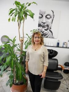 """ตัดแต่งทรงผมให้ทันยุค ทำสีผม-ไฮไลน์ทันสมัย พร้อมรับแต่งหน้า-ทำผมในทุกโอกาส โดย """"ต้อยติ่ง"""" ช่างผมมืออาชีพ ที่ Toi Beauty Salon โทรนัดล่วงหน้าได้ที่ 323-462-9455, 323-868-1927 cell"""