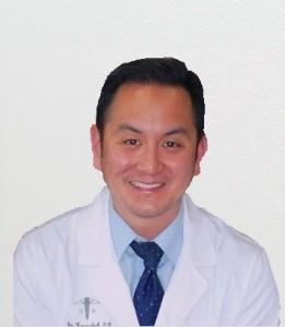 ตรวจวัดสายตา-ประกอบแว่น กับ ดร.แอนดี้ ก้องสกุล O.D. มีกรอบยี่ห้อชั้นนำให้เลือกมากมาย พร้อมตรวจ-รักษา ต้อกระจก, ต้อหิน และโรคเบาหวานขึ้นจอประสาทตา โทรนัดได้ทั้ง 2 สาขา Valley Optometry Eyecare Center (Reseda) 818-774-2020, El Portal Optometry (N.Hollywood) 818-769-2020