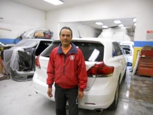 """พ่นสี-เคาะรถทุกชนิด-ฝีมือปราณีต ฝีมือ """"ช่างแดง"""" ช่างผู้ชำนาญงาน ที่ Siam Auto Body and Paint เมือง Van Nuys ติดต่อ 818-782-8684"""