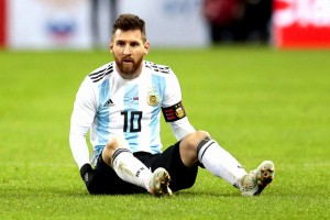 """….""""ผมต้องการไป ...World Cup 2018...ในสภาพที่พร้อมที่สุด"""" สำหรับพี่ใครเล่าจะกล้าขัดใจย่อมได้ตามที่พี่ต้องการเสมอ """"Lionel Messi"""" ซุปเปอร์สตาร์ของทีม """"อาร์เจนติน่า"""" ได้ออกมาแสดงความชัดเจนว่า ตนเองจะไม่ลงสนามแบบเกินความจำเป็น เพราะต้องการรักษาสภาพร่างกายให้พร้อมสุดขีดก่อนทัวร์นาเมนต์ใหญ่จะมาถึง นั่นคือ..World Cup 2018 ที่ประเทศรัสเซีย ดาวเตะของ..Barcelona FC...ลงสนามเกมอุ่นเครื่องที่ """"ฟ้า-ขาว"""" ชนะ รัสเซีย 1-0 แต่นัดต่อไปที่พบกับทีม ไนจีเรีย เกมวันที่ 14 พฤศจิกายน ที่ผ่านมานี้ ไม่มีชื่อลงเล่นเกมนี้ซึ่งก็เป็นเหตุผลเพื่อปรับจำนวนการลงสนามให้น้อยลง เพื่อรักษาสภาพร่างกายให้พร้อมสำหรับฟุตบอลโลกปีหน้า"""