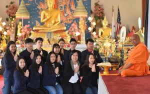 เชอร์รี่ คำลือ นำรายได้จากการจัดงานประจำปี2017 มอบให้รร.วัดไทยฯ $13,024 พระวิเทศธรรมวงศ์ (สุมานะ) เป็นตัวแทนรับมอบพร้อมขอขอบคุณ กนิษฐา เพอร์ไรด้า และทีมงาน