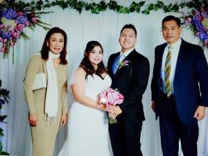 """วันเสาร์ที่ 2 ธ.ค.2017 ตร.ไทยอเมริกัน พีท เพิ่มแสงงาม ไปงานแต่งตร.แอล.เอ. Karou Suzuki บุตรนักประกันสาวชื่อดัง""""โอ๋""""Chanya Susuki เจ้าสาวชื่อ Kim งานนี้ อเนก พลอยแสงงาม มาร่วมในงานด้วย"""