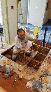 """ตกแต่ง-ซ่อมแซม ห้องครัว ห้องน้ำ ออกแบบต่อเติมภายใน ทำหลังคา ไฟฟ้าทั่วไป ทาสีภายใน-นอก บ้าน-สำนักงาน-อาคารพาณิชย์ (รับเดินเรื่องขอใบอนุญาตจาก City สร้างบ้านใหม่) ติดต่อ """"ยงยุทธ-Danny"""" 562-338-4912"""