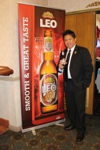 """เบียร์สิงห์ เบียร์ไทย นำโดย ชาลี ชัยจารีย์ ผจ.เบียร์สิงห์ สหรัฐอเมริกา สปอนเซอร์รายใหญ่ ในงานไทยนิวเยียร์ 2018 """"สงกรานเฟิสติเวิล"""" ที่จะมีขึ้นปีหน้า หลังจากว่างเว้นไป 2 ปี จะจัดขึ้นในวันอาทิตย์ที่ 8 เมษายน 2018 บนถนน Hollywood (ระหว่าง Western/Nomandie)"""